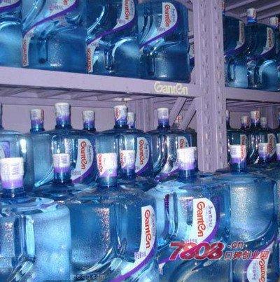 桶装水的需求更大